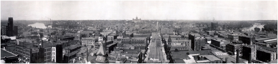 1907 Panoramic veiw of Des Moines IA